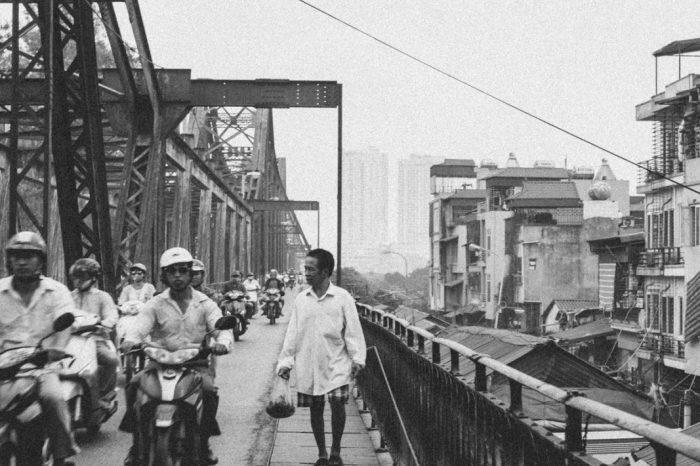 Sur le pont Long Biên à Hanoï – Vietnam #3