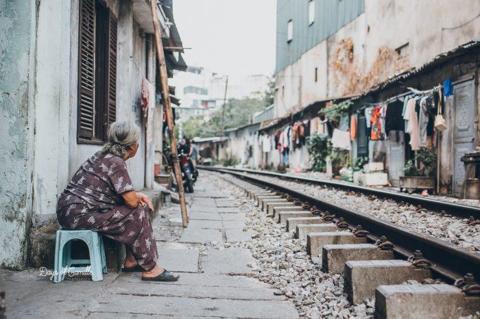 Le train qui rase les maisons d'Hanoï – Vietnam #4